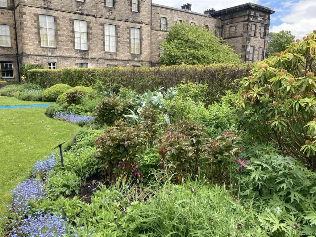art of gardens Edinburgh Modern 1